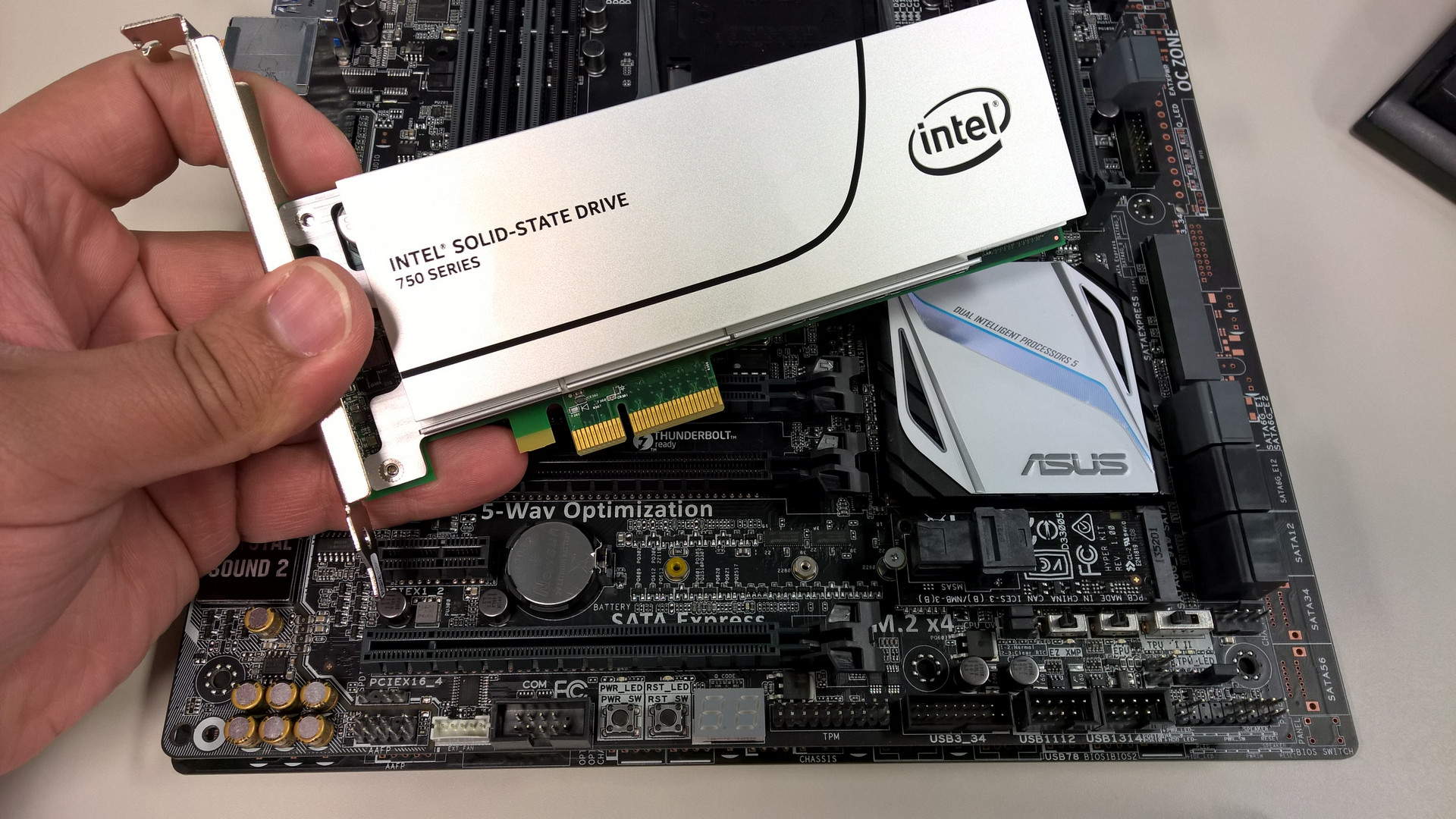 ASUS Z97 & X99 Motherboards & Intel 750 series NVMe SSDs – All You