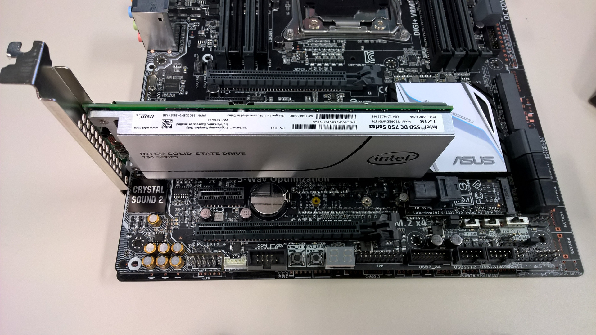 ASUS Z97 & X99 Motherboards & Intel 750 series NVMe SSDs