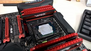 Patriot Viper 4 DDR4 2400MHz Quad Channel Kit installed X 99 RAMPAGE V EXTREME 2